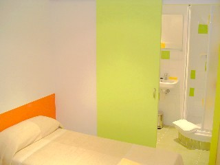 Bed and Breakfast Barcelona Nisia. Habitacion JAVA